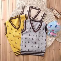 Bear boy vest, Spring wild section V-neck children's clothing, children wear wool knit vest
