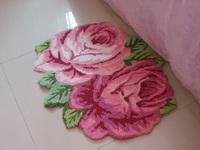 Free shipping handmade 2 rose art rug for bedroom/bedside art carpet romantic rose 70*60cm