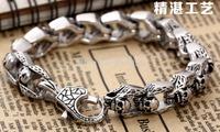 Titanium steel skull bracelet male and female models influx of manpower street punk retro rock ring titanium steel bracelet