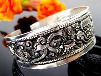 VINTAGE Style TIBET SILVER HANDMADE CARVED  BRACELET Tibetan silver Bangle