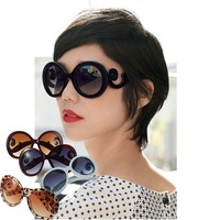 1pcs New arrival fashionable Retro Inspired Round women's Sunglasses