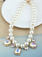 2014 new fashion woman sweet bright crystal pearl necklace female short necklace
