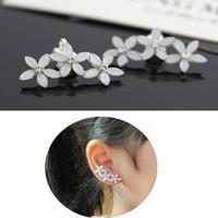 New brand design women's charm flower clip earring small white flower earring clip wholesale for Christmas gift