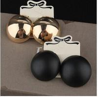 UK woman's exaggerated personality temperament big gold black round stud earrings female wild bar nightclub circle earring