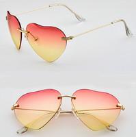 2014 Fashion Sunglass Girls Women Brand Designer Colorful Summer Sunglasses peach Love Heart Shaped Sun Glasses oculos de sol
