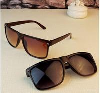 2014 New Fashion vintage square rivet sun glasses for men Brand Designer men retro sunglasses gafas oculos de sol G154