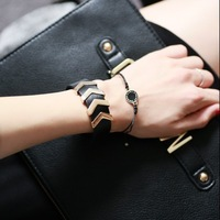 New Fashion Brand Designer Punk Leather Cuff Bracelets Bangles With Gold Arrows For Women