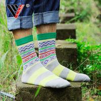 6 pair Fashion British style retro hit color sub on the streets of cotton Bar wave pattern Harajuku socks