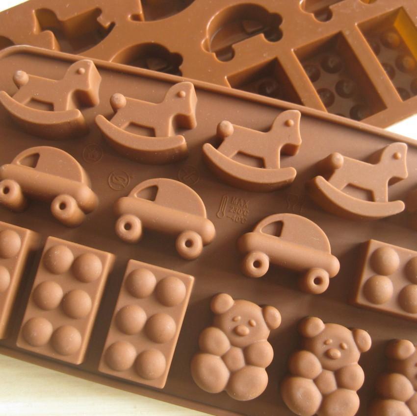frete grátis 10pcs/lot cavalo carro cartoon urso forma caso muffin doces da geléia bolo de gelo molde de silicone molde assadeira bandeja(China (Mainland))