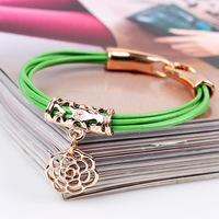 free ship Korean version of the golden hand on retro hollow hand ornaments wholesale fashion bracelet