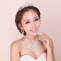 Heartbeat feeling pretty good Korean bride wedding necklace crown rhinestone tiara wedding accessories Parure