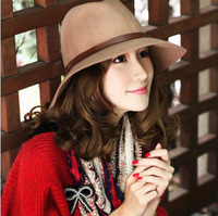 Korean version of the small chili with cashmere woolen hat jazz hat large brimmed hat female British style spring and summer day