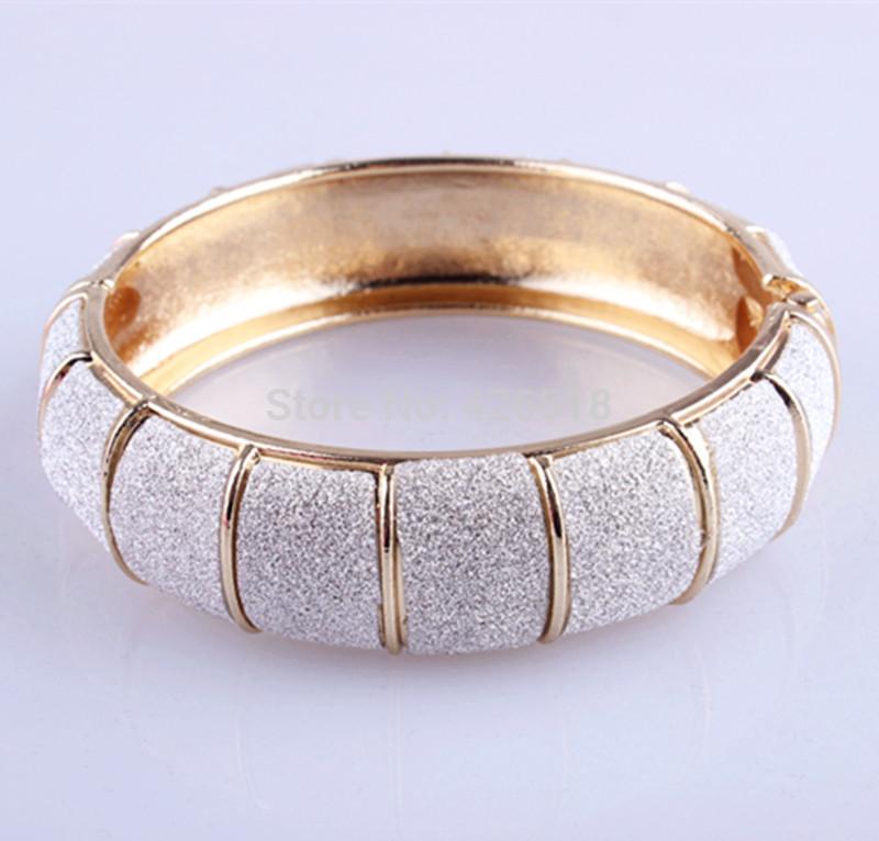 Simple 18K Yellow White Gold Plated Scrub Women hinged Bracelet bangle(China (Mainland))