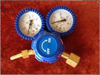 Free Shipping oxygen pressure reducer oxygen gas regulator gas cylinder regulator O2 regaultor