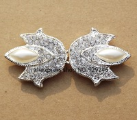free shipping 2pcs/pack 3.2*6.7cm shield-shape ABS pearl clear crystal rhinestone hasp silver buckle for mink coat decoration