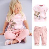 Free Shipping Girls Suit 2-Pcs Short Sleeves Cute T-shirt Fifth Pants Kids Clothing Girl Suit K6300