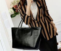 @RP6 Manufacturers wholesale handbag fashion in Europe and the contracted large capacity one shoulder bag handbag Free shipping
