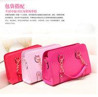 The new European and American fashion glossy patent leather crocodile pattern handbag shaped handbag Messenger bag ladies bag