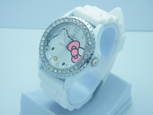 2014 new Silicone Hello Kitty Fashionistas cat with diamonds Watch For children carton watch best gift