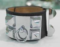 Elegant Collier De Chien Bracelet Bangle
