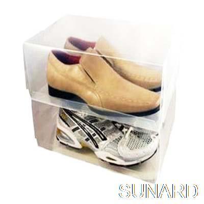 Transparent fashion incorporating shoebox (male)()