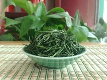 100g 2014 Spring Fresh Silver Needle Yellow Tea premium pure natural drink JunShan Silver Needle High