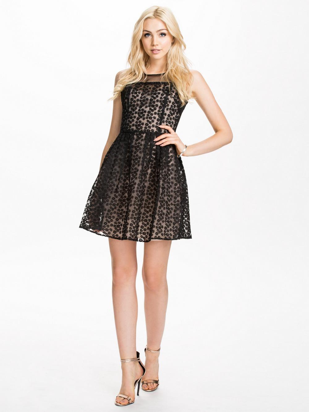 2 Cute Clothing