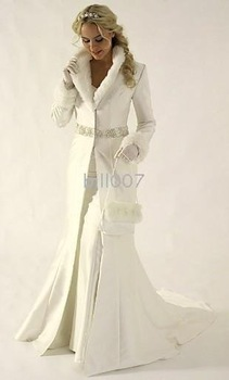Coat for bride Winter Wedding Dresses Cloak Chapel Train Stain Long Sleeve wedding