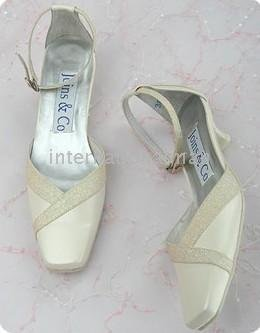 1 pair/lot Ivory Bridal New fashion exquisite Design Evening/Wedding/Party Shoes A1046