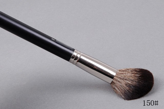 brand new large powder makeup brush 150# 50pcs/L + free shipping(China (Mainland))