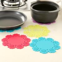 Fashion thickening silica gel heat pad cutout rose bowl pad disc pads coasters  15.5-16CM