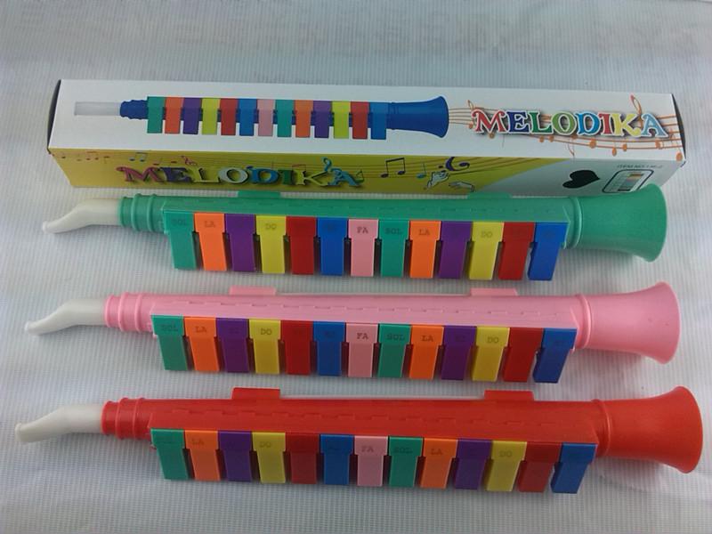 Child musical instrument 13 key melodica keyboard harmonica elementary student melodica toy 100(China (Mainland))