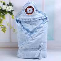 Newborn holds infant  autumn and winter swaddle 100% cotton thickening blankets