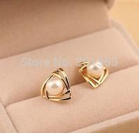 New Jewelry Earrings Ladies Wild Pearl Earrings Wholesale Section Ttriangular Inlay 3pair Gift