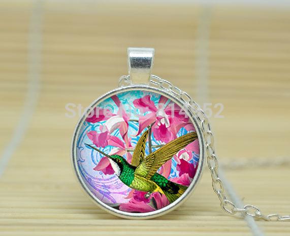 1pcs Hummingbird necklace Vintage Hummingbird pendant Hummingbird jewelry Glass Cabochon Necklace A0974(China (Mainland))