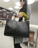 Fall Hot new European and American fashion handbags embossed crown Ms. Shields stereotypes Shoulder Messenger Bag