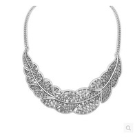 Contracted hollow out the leaves necklace Metal sweater chain female Collarbone chain