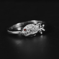 New fashion 925 sterling silver rings for lovers in trend style fish shaped zircon rings for birthday party or wedding