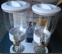 Fashion double containers Plastic Cereal dispenser food storage bottle double hand cereal machine food dispenser