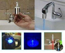 envío libre [ MOQ 1pcs ] regalos de la novedad de 3 colores LED grifo lamp.According al cambio de temperatura de color. Según lo visto en la TV(China (Mainland))