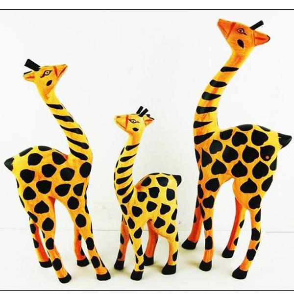 Nordic painted wooden giraffe ornaments modern minimalist home furnishings creative crafts sets three seven(China (Mainland))