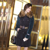 2014 new factory direct wholesale and retail of ladies really Racoon fur collar down jacket