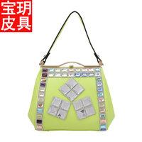 2014 new lady fashion casual luxury handbags boutique handbags Huatai Liang drill Ms. shoulder bag handbag