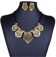 women jewelry Europe and America geometric alloy hollow pendant&necklace