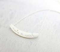 Free shipping 10pcs/lot Gold/Silver Make a Wish Letter Lucky Pendant Necklace Tiny Curved Bar with Letter Necklace XL123