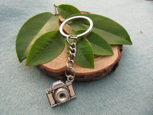 Wholesale~Silver camera key ring camera keychain silver camera Keychain antique jewelry steampunk gift(China (Mainland))
