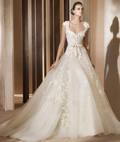 2015 New Charming High Quality Sweetheart Wedding Gown with Cap Sleeve and Lace Appliqued Fashion Wedding Gown Free Shipping