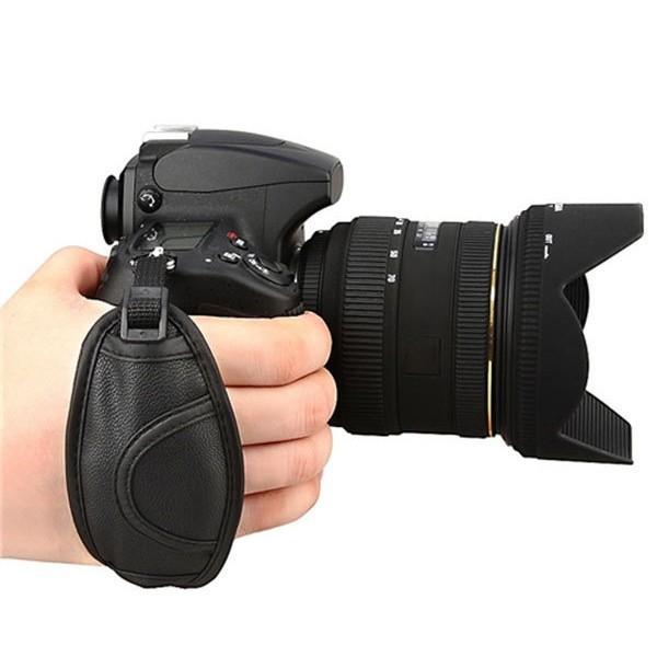2pcs2014 New Arrival Camera Hand Grip Strap for Ni D5100 D3100 D7000 D3200 D800 D90 D5000 D7100 D3000 Free shipping& Wholesale(China (Mainland))