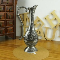 European Style Vintage Home Decoration Fashion Metal Tabletop with Baroque Flower Carved Decor Vase Artcraft Gift