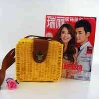New candy-colored straw bag wholesale square cute Shunv Bao beach bags rattan one shoulder bag